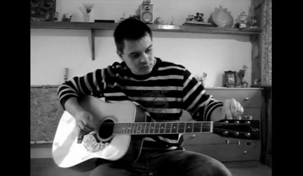 Jak wymieniać struny w gitarze akustycznej